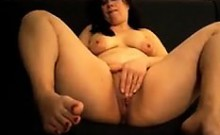 Horny Mature Woman Rubbing Her Pussy