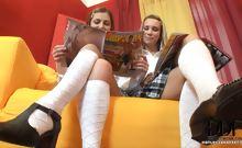 Schoolgirls Lick Toes Twats